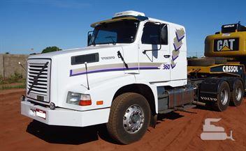 Caminhão Volvo NL-12 360 6x4 2p (diesel)