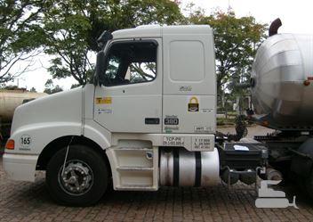 Caminhão Volvo NH-12 380 4X2 2p (diesel)