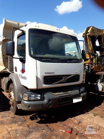 Caminhão Volvo VM 310 6x4 2p (diesel)