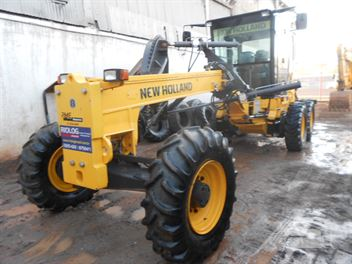 Motoniveladora New Holland RG140B
