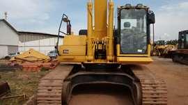 Escavadeira Komatsu PC350